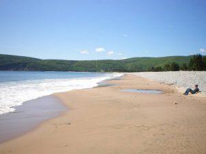 Strand bei Sonnenschein auf Cape Breton